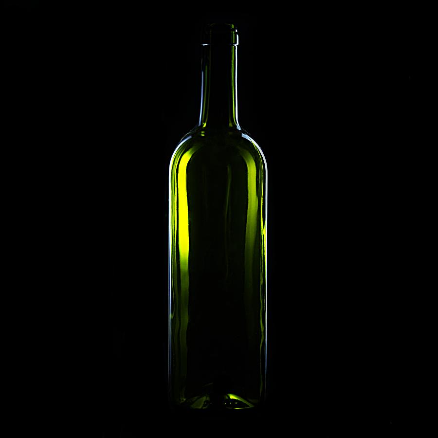 Kliknij obrazek, aby uzyskać większą wersję  Nazwa:butelkawino-bitwa-retusz.jpg Wyświetleń:206 Rozmiar:159,7 KB ID:43487