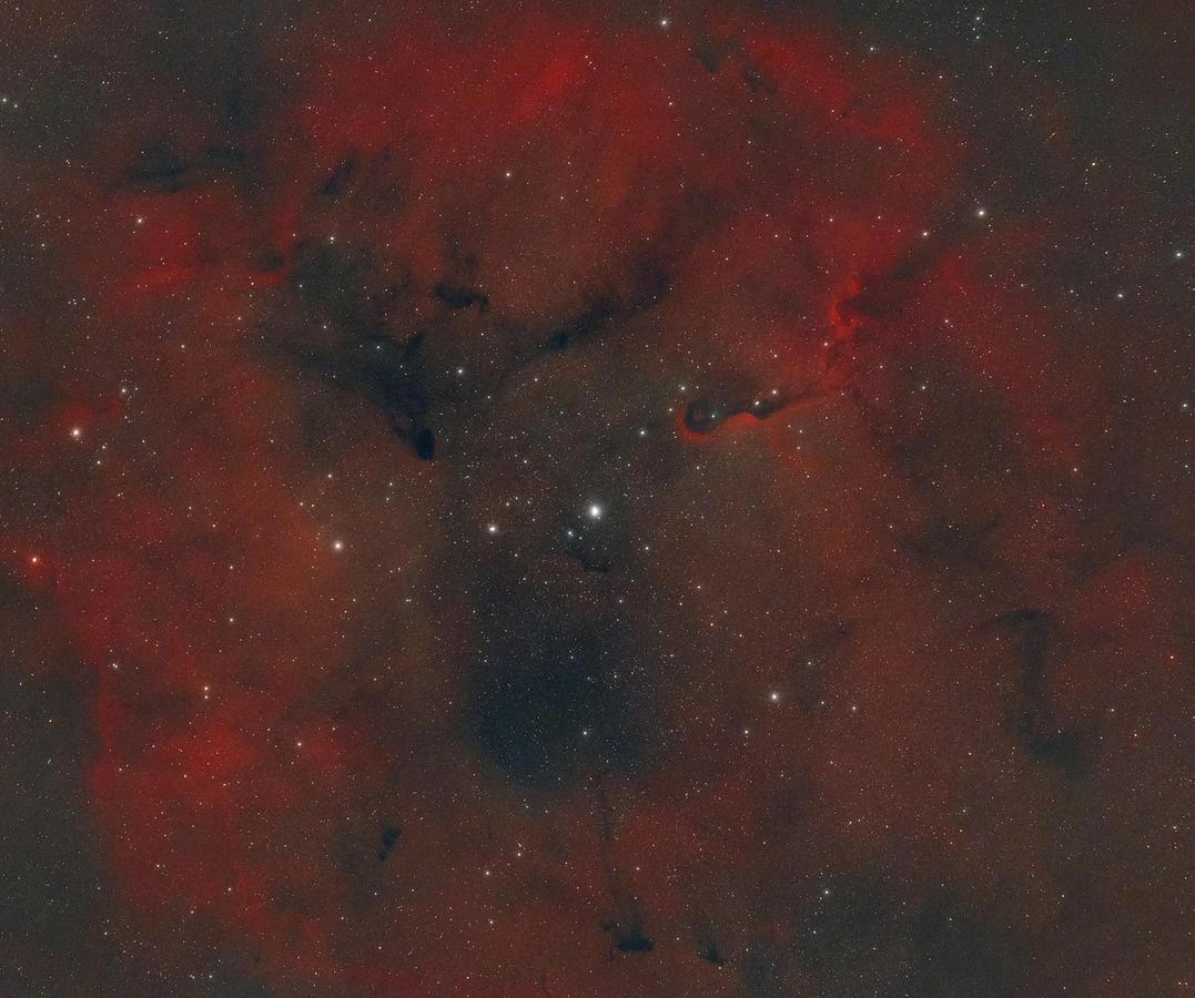 Kliknij obrazek, aby uzyskać większą wersję  Nazwa:IC1396_sm.jpg Wyświetleń:4 Rozmiar:3,27 MB ID:53947