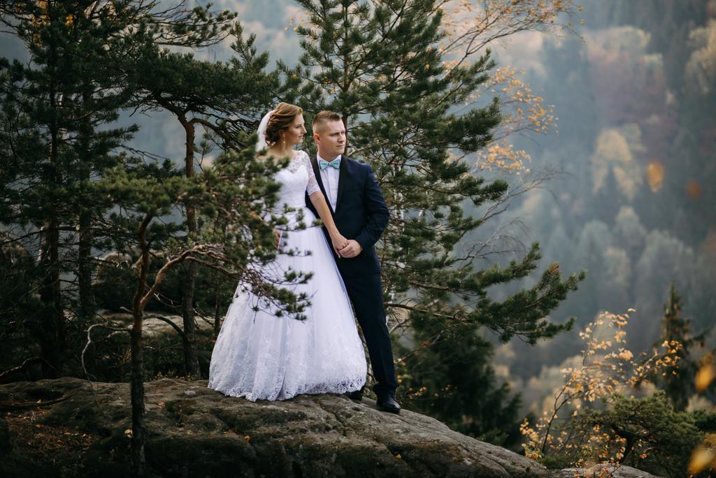 Kliknij obrazek, aby uzyskać większą wersję  Nazwa:Zdjęcia Ślubne 1024-652.jpg Wyświetleń:695 Rozmiar:721,7 KB ID:4202