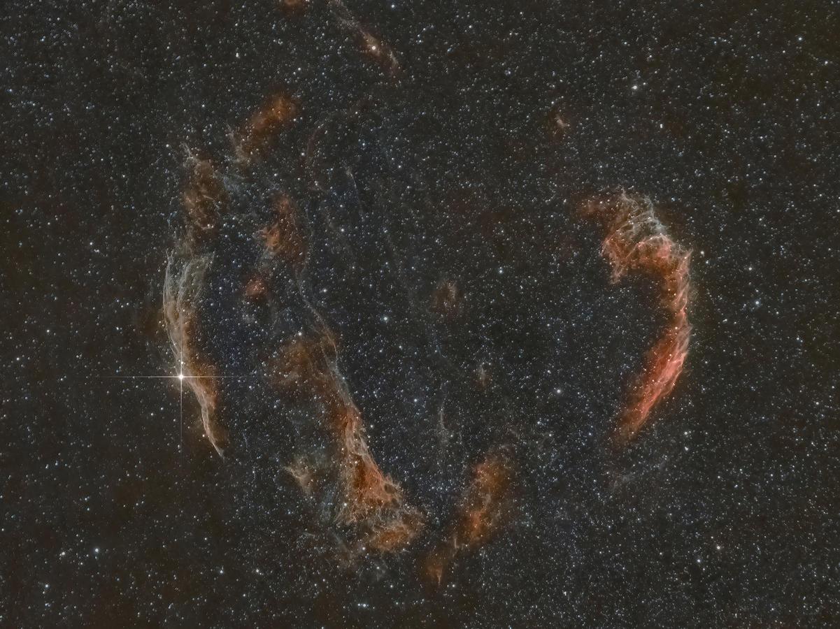 Kliknij obrazek, aby uzyskać większą wersję  Nazwa:NGC6992_sm_2.jpg Wyświetleń:12 Rozmiar:3,60 MB ID:52273