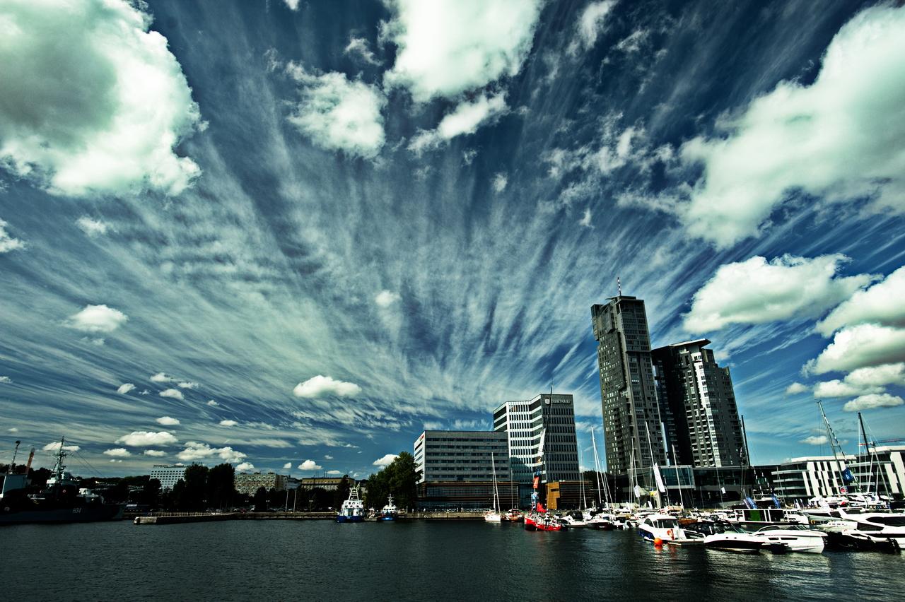Kliknij obrazek, aby uzyskać większą wersję  Nazwa:chmury (5).jpg Wyświetleń:81 Rozmiar:1,03 MB ID:42536