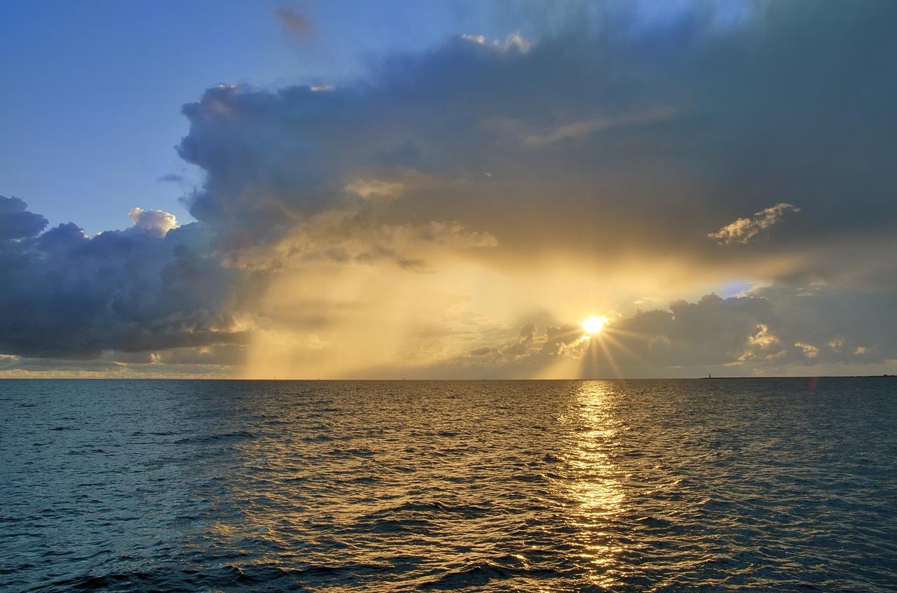 Kliknij obrazek, aby uzyskać większą wersję  Nazwa:chmury (6).jpg Wyświetleń:82 Rozmiar:763,7 KB ID:42537