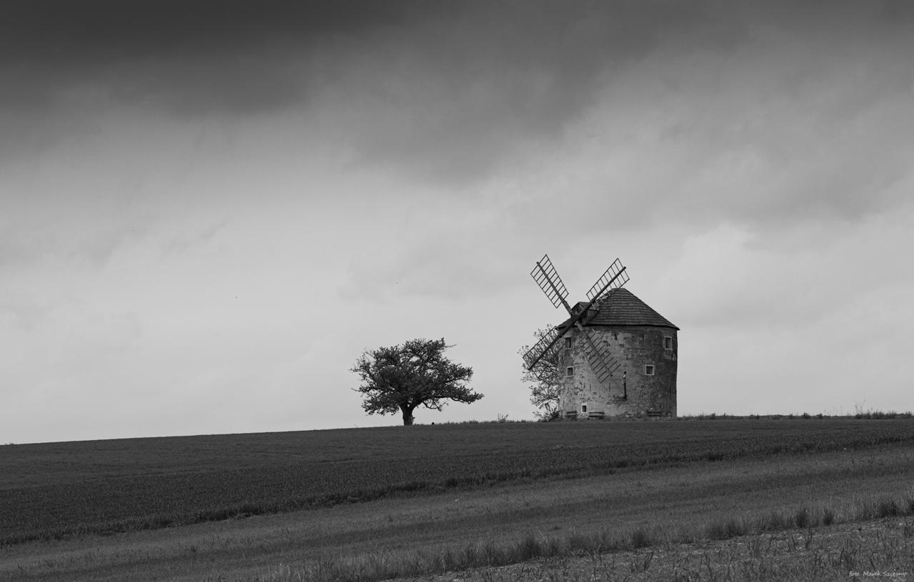 Kliknij obrazek, aby uzyskać większą wersję  Nazwa:wiatrak.jpg Wyświetleń:21 Rozmiar:1,24 MB ID:36513