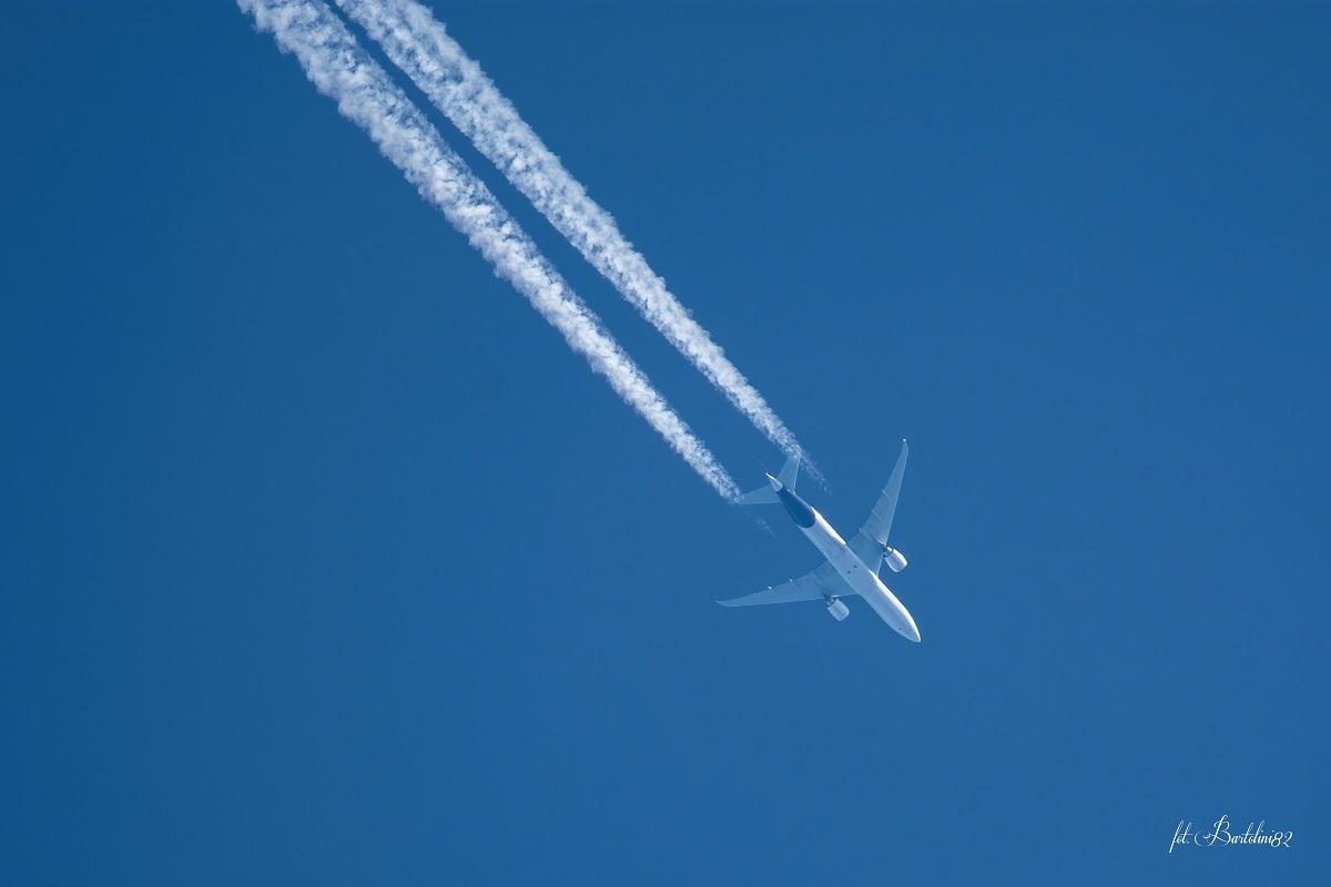 Kliknij obrazek, aby uzyskać większą wersję  Nazwa:samolot.jpg Wyświetleń:163 Rozmiar:97,9 KB ID:43808